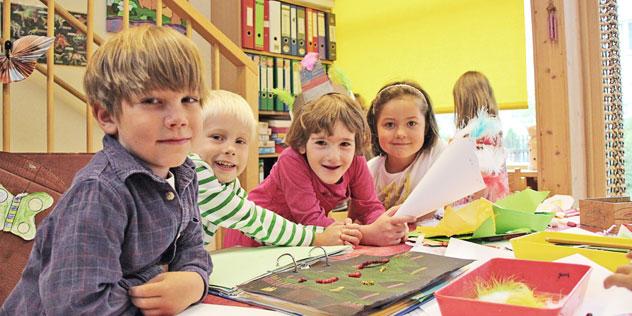 Kinder in einem evangelischen Kindergarten