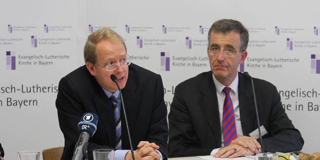 Erich Theodor Barzen und Joachim Pietzcker Pressekonferenz Herbstsynode, Bild: © ELKB